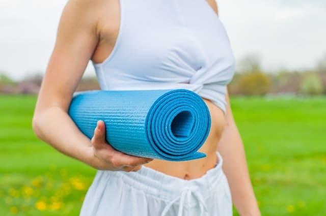 Hvilken yogamåtte skal du vælge? Se svaret her